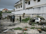 AMISOM-Commanders-show-a-CNN-reporter-around-the-back-streets-of-Mogadishu